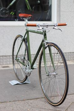 Ideas For Fixie Bike Retro Bici Retro, Velo Retro, Velo Vintage, Retro Bicycle, Vintage Bicycles, Retro Bikes, Fixi Bike, Bike Seat, Bicycle Sidecar