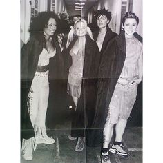 """""""Spice Girls backstage at Earl's Court in London during the 'Christmas in Spiceworld' UK tour on December 15th, 1999! ✌️ #spicegirls #spiceworld…"""""""