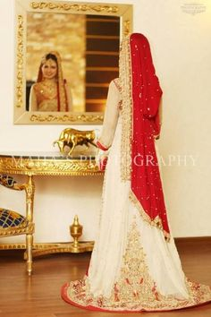 Ideas Indian Bridal Wear With Trail Wedding Dresses For 2019 – Wedding Dresses Desi Bride, Desi Wedding, Wedding Attire, Wedding Wear, Wedding Stuff, Bridal Outfits, Bridal Gowns, Wedding Gowns, Pakistani Wedding Dresses