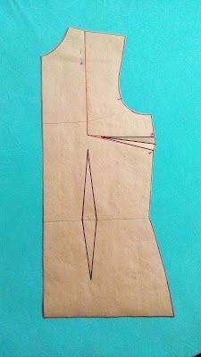 MODELAGEM Dress Sewing Patterns, Clothing Patterns, Crochet Patterns, Sewing Basics, Sewing Hacks, Costura Fashion, Dress Neck Designs, Crochet Round, Fashion Sewing