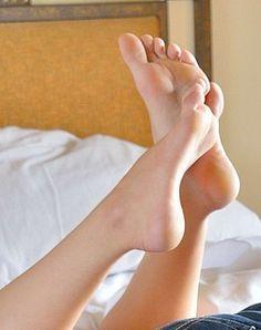 Lesbian amateur toes