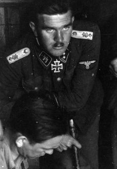 Waffen SS Obersturmführer Gerhard Bremer conferring with Kurt Meyer , during… Luftwaffe, Operation Barbarossa, Man Of War, Military Officer, War Photography, The Third Reich, German Army, Military History, World War Two