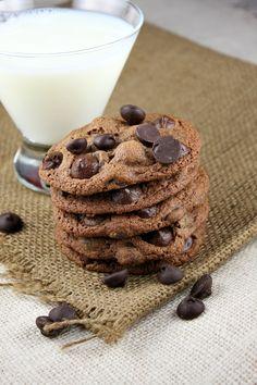 Malted Dark Chocolate Chip Cookies via @RecipeGirl Lori