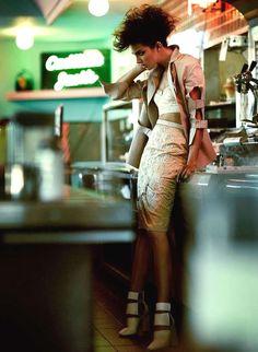 Femininely Edgy Fashion - The Flare Magazine Pulp Fashion Editorial Stars Catrina Stella (GALLERY) women beauty and make up Foto Fashion, Fashion Shoot, Trendy Fashion, Fashion Models, High Fashion, Fashion Trends, Ladies Fashion, Fashion Fashion, Stella Fashion