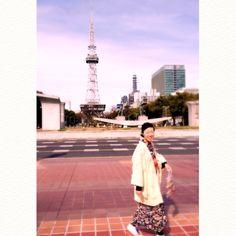 「栄の街を着物でお散歩♩ うしろに見えるのは名古屋のシンボル テレビ塔です( • ̀ω ⁃᷄)✧ #東亜和裁 #toawasai #kimono  #NAGOYA #テレビ塔」