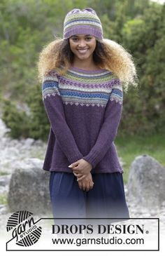Blueberry Fizz / DROPS 180-7 - Settet består av tröja med runt ok, flerfärgat norskt mönster och A-form, stickad uppifrån och ner. Storlek S - XXXL. Mössa med flerfärgat norskt mönster. Settet är stickat i DROPS Alpaca.