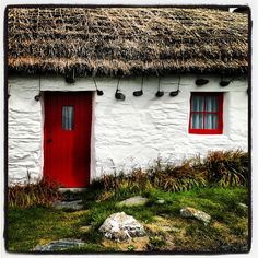 Niarbyl fishermans cottage. Fond memories of Mr Brew who used to thatch these cottages for Sheila Teare.