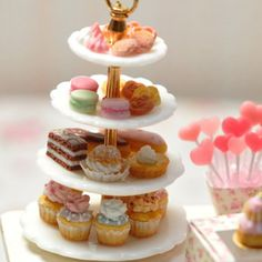 Miniature cake stand display ♡ ♡