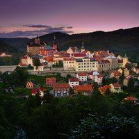 Stunning medieval town Loket is a part of our day trip to Karlovy Vary. Join us for this fantastic tour !!
