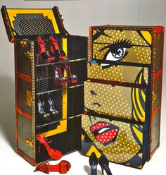 Collaboratively customized by Italian antique dealer Max Bernardini and Brazilian designer Mellina Makowiecky, this vintage steamer trunk gets the ultimate Lichtenstein makeover. Old Trunks, Vintage Trunks, Trunks And Chests, Vintage Suitcases, Vintage Luggage, Camp Trunks, Antique Trunks, Roy Lichtenstein, Goyard Trunk