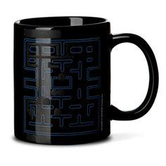 Pac-Man Heat Changing Mug from Think Geek Cheap Gifts For Men, Men Gifts, Mug Original, Estilo Geek, Christmas Gift Exchange, Geek Gadgets, Mugs For Men, Nerd Love, Pac Man