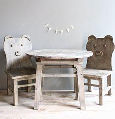 Vintage Wooden Set Children Table w/Chairs por lovintagefinds, $225.00