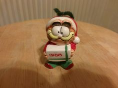 Garfield Christmas Ornament 1988, Vintage Garfield ornament, Christmas décor by Morethebuckles on Etsy