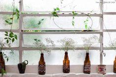 09-decoracao-janela-garrafa-flores-plantas