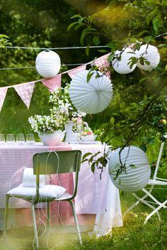 Midsummer in Scandinavia lanterns garden - pintaphotography Maila, Most Beautiful Gardens, Enjoying The Sun, Summer Garden, Pink Garden, Baby Party, Home And Living, Outdoor Living, Outdoor Furniture Sets