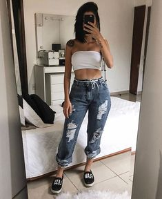 Tattoo and white top - ChicLadies. Tumblr Outfits, Grunge Outfits, Stylish Outfits, Cute Casual Outfits, Girl Fashion, Fashion Looks, Fashion Outfits, Skater Girl Outfits, Aesthetic Clothes