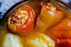 ardei umpluti gatiti la cuptor Martha Stewart, Stuffed Peppers, Vegetables, Food, Dessert Food, Meal, Stuffed Pepper, Eten, Vegetable Recipes