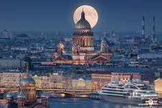 cool Saint Isaac& Cathedral or Isaakievskiy Sobor in Saint Petersburg, Russia is. St Petersburg Russia, St Pétersbourg Rússie, Beautiful Places, Beautiful Pictures, Tourism Development, Night Photos, Wonders Of The World, Amazing Photography, Places To See