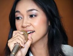 Maria (real name Meria Aires) (born February 16, 1989) is the most successful female singer in Brunei. She became a successful artist when she won the 2005 Kristal Idol contest in conjunction with His Majesty the Sultan of Brunei Darussalam's birthday celebrations. #MariaAires #Brunei #SEASongoftheWeek  http://www.cseashawaii.org/2012/10/maria-aires/