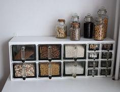 lasilokerikko,lasilaatikot,maustesäilytys,säilytys,maustepurkit