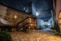 Večerná romantika na hrade #praveslovenske od Hrad a Kaštieľ Liptovský Hrádok
