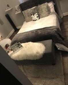 8 Must-Know Bedroom Design Ideas - Sweet Crib Room Ideas Bedroom, Bedroom Inspo, Bedroom Themes, Dream Rooms, Dream Bedroom, Master Bedroom, First Apartment Decorating, Apartment Ideas, Apartment Kitchen