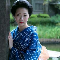 (August geiko Toshisumi of Miyagawacho. Japanese Geisha, Japanese Beauty, Japanese Kimono, Asian Beauty, Beautiful Japanese Girl, Beautiful Women, Japan Woman, Japanese Outfits, Yukata
