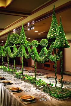 Daniël Ost House of Weddings Wedding Floral Design… Christmas Home, Christmas Holidays, Christmas Wreaths, Christmas Decorations, Christmas Tables, Unique Flower Arrangements, Floral Centerpieces, Daniel Ost, Holiday Themes