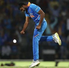 Vijay Shankar Ruled Out of World Cup, Mayank Agarwal to Replace Him One Day Match, Adam Zampa, Tom Curran, Mayank Agarwal, Shane Watson, Chris Jordan, Shikhar Dhawan, Cricket World Cup, Virat Kohli