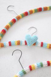 Give your closet a makeover! Hang up your clothes in style with these #Crochet Hanger Covers. Add a splash of color to your closet with this super easy and adorable crochet pattern for crochet hanger covers.