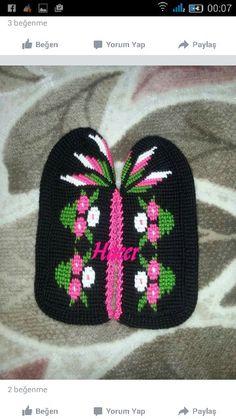 Patik Tunisian Crochet, Crochet Slippers, Knitted Hats, Scarves, Eminem, Beanie, Socks, Elsa, Knitting