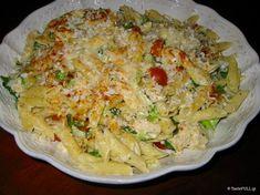 Οι πένες με μπρόκολοείναι ο πιο σύνθετος τρόπος να τρώμε το μπρόκολο, ο πιο λαχταριστός και χορταστικός. Πιάτο των 30 λεπτών Greek Beauty, Greek Recipes, Love Food, Macaroni And Cheese, Recipies, Food And Drink, Vegetarian, Pasta, Cooking