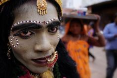 cross dresser Photo by VINEET VOHRA -- National Geographic Your Shot