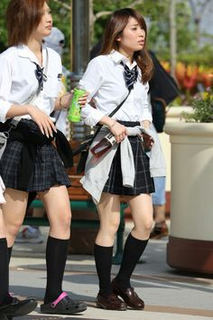 Cute Japanese school girls at public Japanese School, Cute Japanese, Teen Mini Skirt, Short Skirts, Mini Skirts, School Girl Japan, Short Legs, Sexy Asian Girls, School Uniform