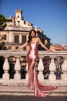 Mabilia - Dusty Pink Strapless Satin Gown With Side Slit Pink Gowns, White Gowns, Satin Dresses, Sexy Dresses, Beautiful Dresses, Nice Dresses, Strapless Dress, Fashion Dresses, Prom Dresses