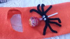 Este hallowen está lleno de arañas.