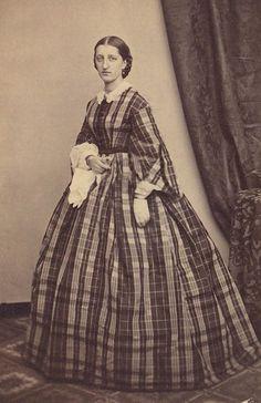 +~+~ Antique Photograph ~+~+  Women in plaid dress ~ civil war.