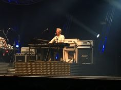 Andy Bown tijdens 'last night of the electrics' in Amsterdam.