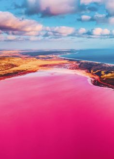 Magic Pink Lagoon In Western Australia Hutt Lagoon is a pink lake on the west coast near the town of Gregory. This very small town is located on a narrow spit between the ocean and the pink la The Places Youll Go, Places To See, Places To Travel, Travel Destinations, Travel Deals, Travel Tips, Between The Oceans, The Zoo, Pink Lake