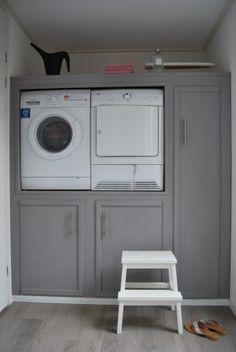 Storage and Laundry! Mini Loft, Laundry Area, Laundry Closet, Small Laundry, Laundry Rooms, Interior Design Living Room, Living Room Designs, Laundry Room Appliances, Kitchen Cabinets