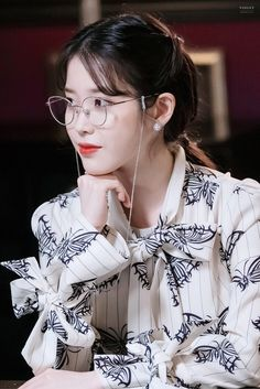 #IU #Hotel_Del_Luna #tvN #JangManWol #LeeJiEun #YeoJinGoo Kpop Girl Groups, Kpop Girls, Iu Twitter, Iu Hair, Luna Fashion, Aesthetic People, Korean Actresses, Korean Actors, Celebs