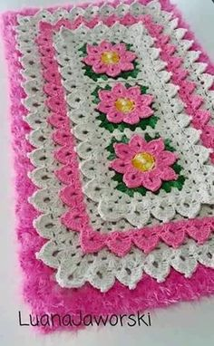 It is a website for handmade creations,with free patterns for croshet and knitting , in many techniques & designs. Crochet Table Runner, Crochet Tablecloth, Crochet Doilies, Crochet Flowers, Crochet Stitches Patterns, Crochet Home, Crochet Clothes, Crochet Projects, Hand Embroidery
