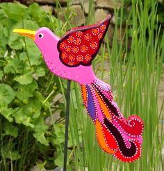 """Paradiesvogel+""""Rosalia"""",+Gartenstecker+Rosa,+bunt+von+KIMAMA-design++auf+DaWanda.com"""