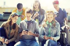 New Teen Life on Social Media Native Advertising, Influencer Marketing, Content Marketing, Online Marketing, Make Money Online, How To Make Money, New Teen, Parenting Articles, Teen Life