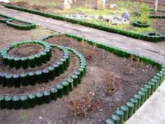 Dishfunctional Designs: Wine About Your Garden: How To Use Recycled Bottles In Your Garden Decor Garden Crafts, Diy Garden Decor, Garden Projects, Garden Art, Front Garden Landscape, Front Yard Landscaping, Desert Landscape, Wine Bottle Garden, Glass Garden