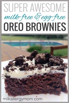 These are the perfect dairy-free and egg-free dessert to serve to family and friends! You gotta try Oreo Brownies soon! Recipe at Milk Allergy Mom. Dairy Free Deserts, Egg Free Desserts, Eggless Desserts, Egg Free Recipes, Allergy Free Recipes, Dessert Recipes, Eggless Recipes, Cake Recipes, Cooking Recipes