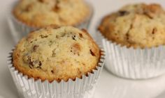 In this episode of Laura in the Kitchen Laura Vitale shows you how to make Granola Muffins!