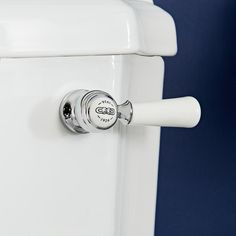 Milano Elizabeth - Traditional Ceramic Flush Lever - Chrome/White Bathroom Shop, Big Bathrooms, Bathroom Hardware, Bathroom Faucets, Toilet Accessories, Estilo Retro, Traditional Bathroom, Chrome Finish, Solid Brass
