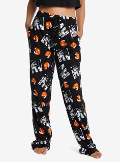 Ready for a spooky movie marathon? Get ready to watch Halloween in your Halloween -inspired pajamas. Printed all over with pumpkins and a black and white still of Michael Myers. Featuring hip pockets and a elasticated and drawstring waistband. Halloween 2020, Halloween Pajamas, Halloween Party, Movie Marathon, Michael Myers, Oakwood School, Horror Merch, Pajama Pants, Monster Mash