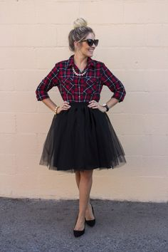 Jupon en tulle : Ashley Guyatt: Quirky Ways to Pull-Off Girly Style Holiday Outfits, Fall Outfits, Cute Outfits, Amazing Outfits, Holiday Hair, Skirt Outfits, Dress Skirt, Dress Up, Black Tulle Skirt Outfit